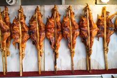 Pollo asado a la parrilla tailandés del noreste foto de archivo