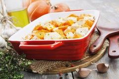 Pollo cocido con la calabaza Imágenes de archivo libres de regalías