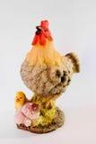 Pollo con il pulcino. Statuetta fotografie stock libere da diritti