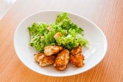 Pollo con la ensalada Fotos de archivo