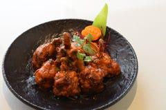 Pollo con la salsa di peperoncino rosso caldo fotografie stock