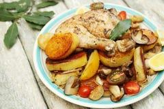 Pollo con las verduras Imágenes de archivo libres de regalías