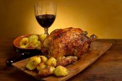 Pollo con le patate arrostite Fotografie Stock Libere da Diritti