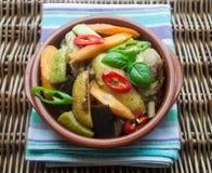 Pollo con le verdure del bambino Fotografia Stock