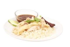 Pollo cortado del Hainan-estilo con arroz adobado imagen de archivo