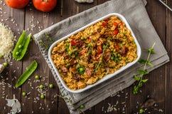 Pollo de Cajun con arroz imagenes de archivo