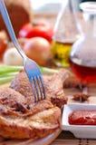Pollo de carne asada con la salsa Imagen de archivo