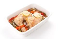 Pollo de carne asada con pimientas rojas y verdes Fotografía de archivo libre de regalías