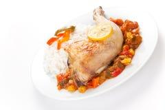 Pollo de carne asada con pimientas rojas y verdes Imagen de archivo