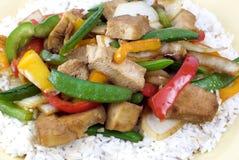 Pollo de Teriyaki en el arroz imagen de archivo