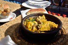 Pollo del curry en tajine Foto de archivo libre de regalías