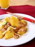Pollo della frittura di Stir con gli ananas immagini stock libere da diritti