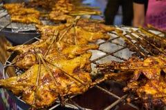 Pollo della griglia nel mercato Bangkok Tailandia Immagini Stock