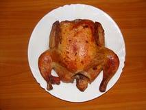 Pollo di arrosto su una zolla Fotografia Stock Libera da Diritti