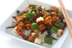 Pollo di pao di Kung sopra riso, alimento cinese fotografia stock