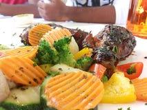 Pollo di Teriyaki con molte verdure Immagini Stock