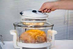 Pollo dietético de la hornada de Aerogrill Fotos de archivo