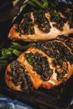 Pollo een fisarmonica bedriegt ricottae spinaci stock foto's