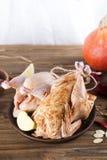 Pollo en el adobo para cocer Fotografía de archivo