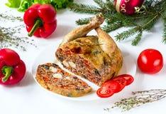 Pollo en una sección rellena con las verduras Imagenes de archivo
