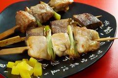Pollo ensartado japonés, cerdo, meatYakitori Imagen de archivo libre de regalías