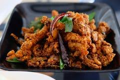 Pollo frito picante imagenes de archivo