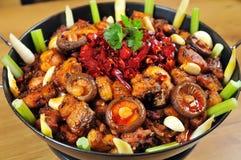 Pollo fritto con il peperoncino rosso Fotografie Stock Libere da Diritti