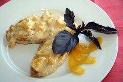Pollo fritto con la salsa dell'ananas Immagini Stock
