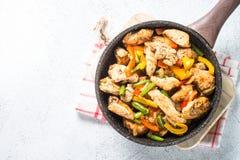 Pollo fritto con le verdure immagine stock libera da diritti