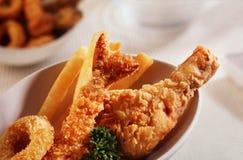 Pollo fritto e gambero fotografie stock