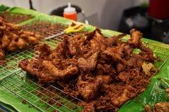 Pollo fritto nel mercato Bangkok Tailandia Immagine Stock