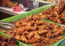 Pollo fritto nel mercato Bangkok Tailandia Fotografie Stock Libere da Diritti