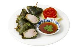 Pollo fritto tailandese in fogli del pandanus Fotografia Stock Libera da Diritti