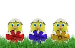 Pollo giallo in un uovo di Pasqua 3d rendono Immagini Stock Libere da Diritti