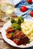 Pollo lento del Mediterráneo-estilo de la cocina Foto de archivo libre de regalías