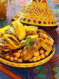 Pollo marocchino con i ceci ed i limoni Fotografia Stock Libera da Diritti