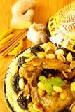 Pollo marocchino con le prugne e le mandorle Fotografia Stock