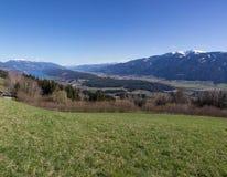 Pollo Mountain View al lago Millstatt in primavera Fotografie Stock Libere da Diritti
