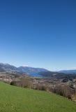 Pollo Mountain View al lago Millstatt in primavera Immagini Stock
