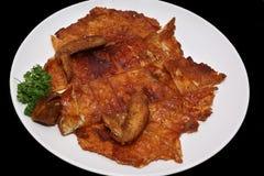 Pollo sin hueso con la piel curruscante Imágenes de archivo libres de regalías