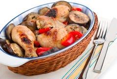 Pollo squisito con il primo piano della melanzana Fotografia Stock
