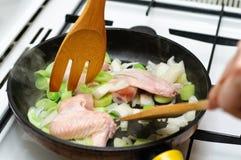 Pollo su una vaschetta Fotografia Stock