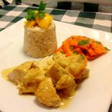 Pollo tailandese della noce di cocco con riso Fotografie Stock Libere da Diritti