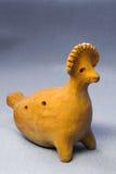 Pollo tradicional del silbido del juguete de la arcilla Imagenes de archivo