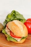 Pollo in un panino Fotografia Stock Libera da Diritti