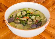 Pollo verde del curry in latte di cocco Fotografia Stock Libera da Diritti