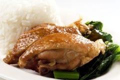 Pollo y arroz tratados con vapor del ajo Fotografía de archivo
