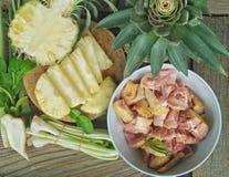 Pollo y legumbre de fruta Foto de archivo libre de regalías