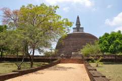 Pollonaruwa斯里兰卡stupa 免版税库存照片
