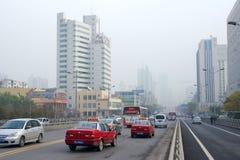 Pollution atmosphérique de ville images libres de droits